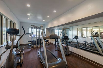 Fitness center | Quality Suites Addison-Dallas