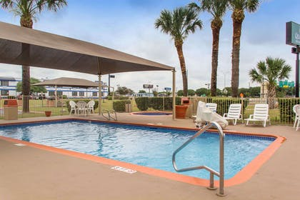 Relax by the pool | Quality Inn & Suites I-35 - near ATT Center