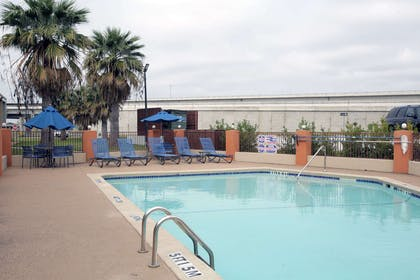 Outdoor pool | Rodeway Inn & Suites Downtown North