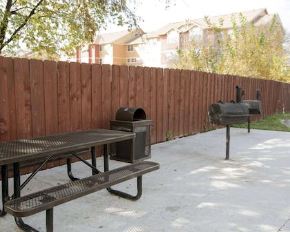 Relaxing patio area | Rodeway Inn & Suites Downtown North