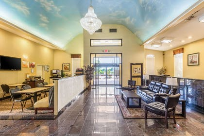 Hotel lobby | Quality Suites North