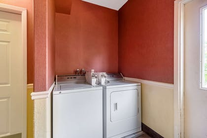 Guest laundry facilities | Quality Suites North