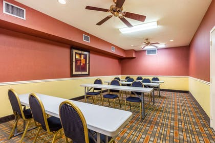Meeting room | Quality Suites North