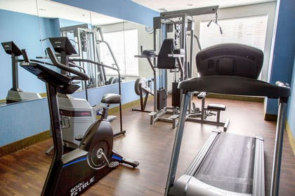 Fitness center   Comfort Suites North Fossil Creek