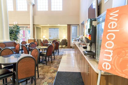 Breakfast area in the lobby   Comfort Suites North Fossil Creek