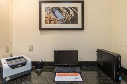 Business center | Quality Suites Burleson - Ft. Worth