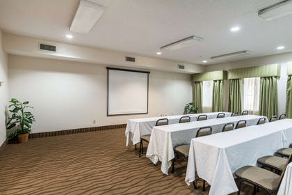 Meeting room | Quality Suites Burleson - Ft. Worth