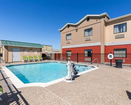 Outdoor pool | Econo Lodge Inn & Suites East