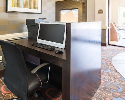 Business center | Econo Lodge Inn & Suites East