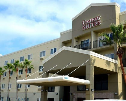 Hotel entrance | Comfort Suites South Padre Island