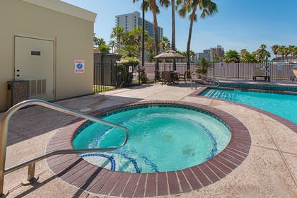 Outdoor hot tub | Comfort Suites South Padre Island