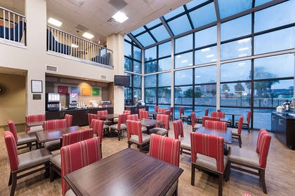 Breakfast area | Comfort Suites South Padre Island