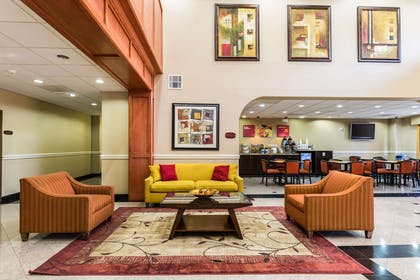 Lobby with sitting area | Comfort Suites Westchase