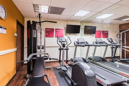 Exercise room with cardio equipment | Comfort Suites Westchase