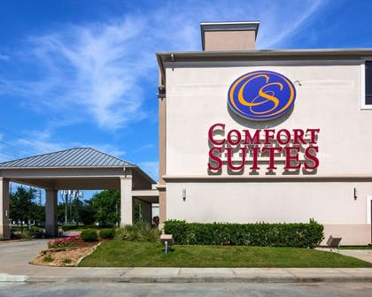 Side view of hotel   Comfort Suites Houston West at Clay Road