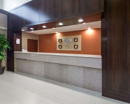 Front desk with friendly staff   Comfort Suites Houston West at Clay Road