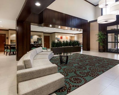 Lobby with sitting area   Comfort Suites Houston West at Clay Road