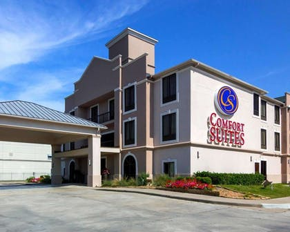 Hotel exterior   Comfort Suites Houston West at Clay Road