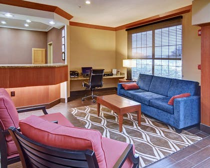 Computer in the lobby | Comfort Suites Roanoke - Fort Worth North