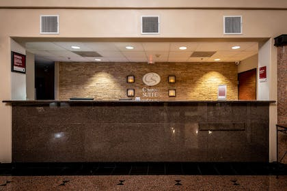 Front desk with friendly staff | Comfort Suites near Texas Medical Center - NRG Stadium