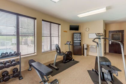 Exercise room | Quality Suites Sherman