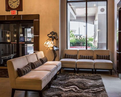 Lobby with sitting area | Comfort Suites Stafford Near Sugarland
