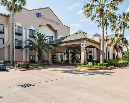 Hotel entrance | Comfort Suites Stafford Near Sugarland