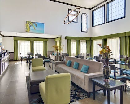 Spacious lobby with sitting area | Comfort Inn & Suites Beachfront