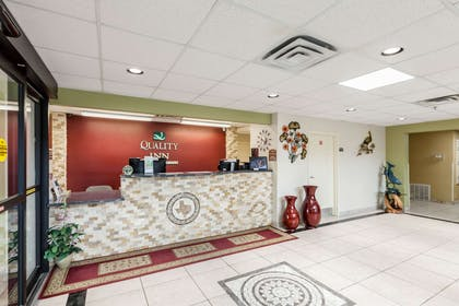 Front desk | Quality Inn near SeaWorld - Lackland