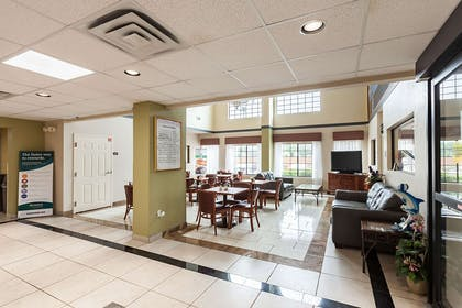 Hotel lobby | Quality Inn near SeaWorld - Lackland