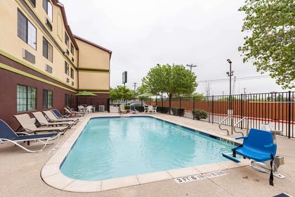 Relax on the sundeck | Quality Inn near SeaWorld - Lackland