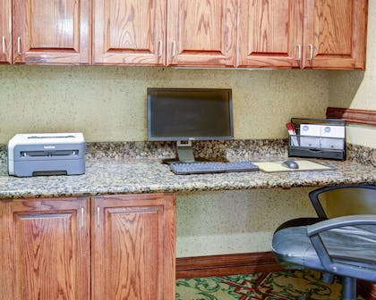 Business center with free wireless Internet access | Comfort Suites University Drive