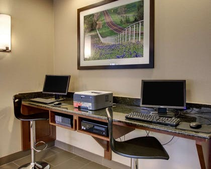 Business center with high-speed Internet access | Comfort Suites Tyler South