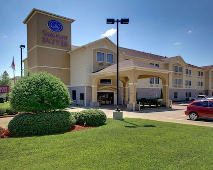 Hotel exterior | Comfort Suites Tyler South