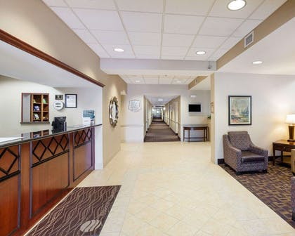 Spacious lobby | Comfort Inn And Suites Airport