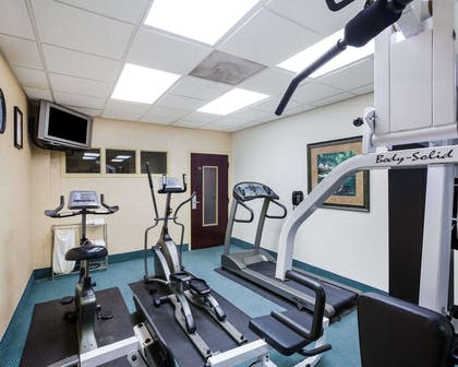 Fitness center | Comfort Inn And Suites Airport