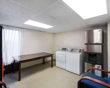 Guest laundry facilities | Comfort Inn And Suites Airport