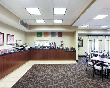 Spacious breakfast area | Comfort Inn And Suites Airport