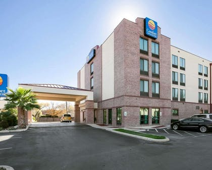 Comfort Inn and Suites Airport hotel in San Antonio, TX | Comfort Inn And Suites Airport