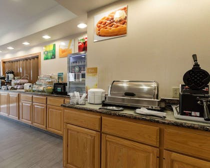Free breakfast with waffles | Quality Inn