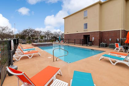 Outdoor pool | Comfort Inn and Suites Fredericksburg