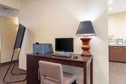 Business center | Comfort Inn and Suites Fredericksburg