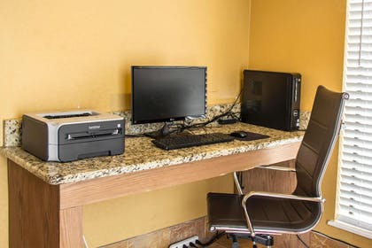 Computer in the lobby | Comfort Suites Near Seaworld