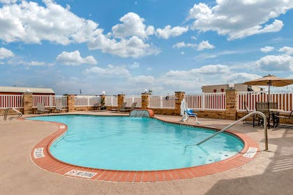 Relax on the sundeck | Comfort Suites Central