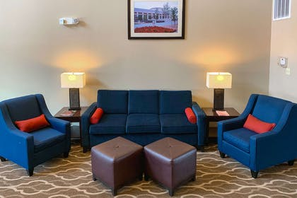 Hotel lobby | Comfort Suites Texas Ave.