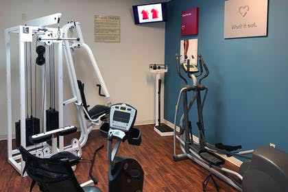 Fitness center | Comfort Suites Texas Ave.