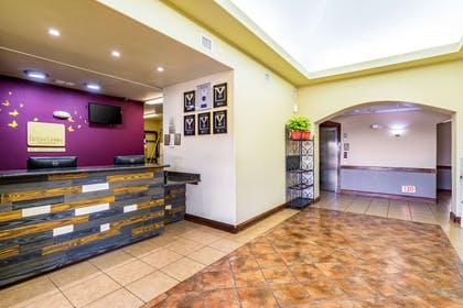 Front desk with friendly staff | Econo Lodge Inn & Suites