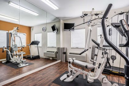 Fitness center | Comfort Suites Near Texas State University