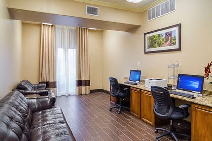Business center | Quality Suites North IH 35