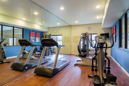 Exercise room | Quality Suites North IH 35